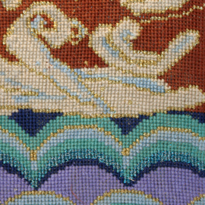 Waves on her kimono_close_up